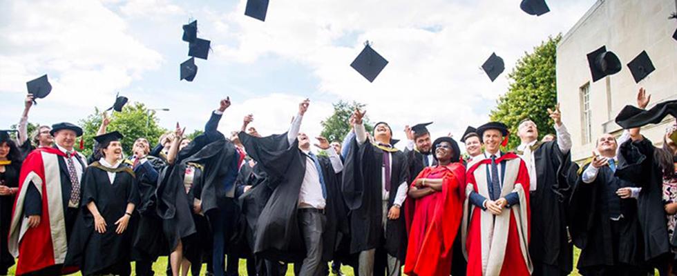 """キャリアを中断せずに得られる""""英国MBAの学位"""""""